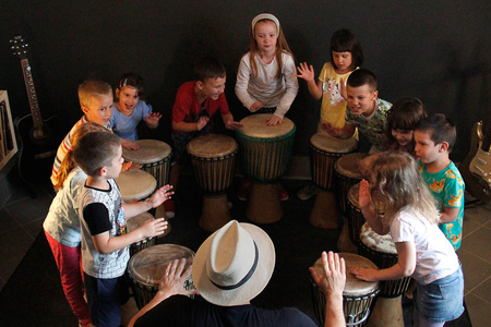 Krunoslav Kobeščak (Brain Frame) — drumming workshop for children